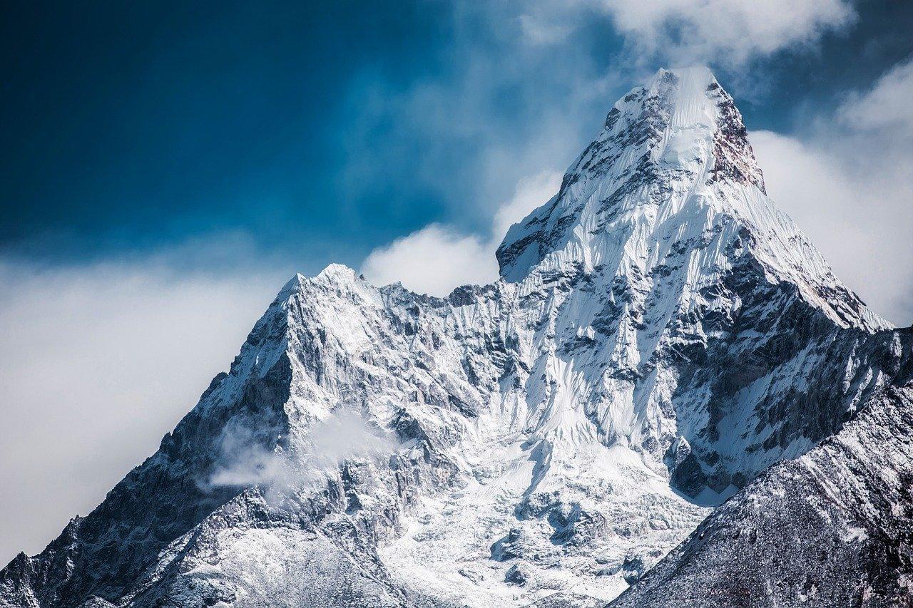 ama dablam, snow, mountain-2064522.jpg
