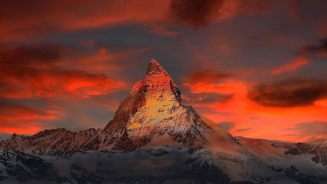 mountains, snow, sunset-862870.jpg